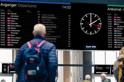 ENKLERE: Fra nå av vil informasjonen du finner på togstasjoner være mer intuitiv og enklere å forstå.