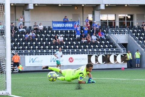 FØRSTEVALG: Jacob Storevik spilte nok en meget god match for SF. Han seiler nå opp som klubbens førstevalg på keeperplass.