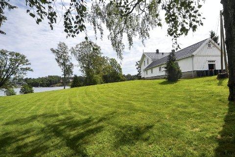 SALG: Formanskapet og kommunestyret får nå Nedre Skjærsnes Gård-saken på sitt bord.
