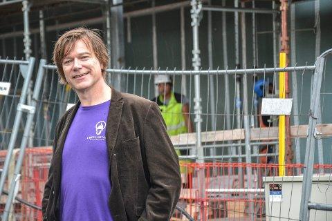 RYKKET OPP: Ole T. Hoelseth er nå Liberalistenes førstekandidat, etter at den opprinnelige listetoppen måtte ut av byen for å få jobb. – Det illustrerer hvilket problem Sandefjord har, sier Hoelseth.