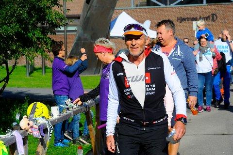 VONDE BEIN: Frank Ståle Kittilsen hadde en rolig innspurt i Badeparken.