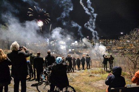 2019: Fyrverkeriet i fjor kunne ses fra mange steder i byen, som her på Preståsen. Frykt for større folkeansamlinger gjør at det ikke blir noe i år.