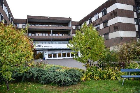 MÅ UT: 50 beboere på Nygård sykehjem må flytte mens bygget renoveres. Det kan bli aktuelt for beboerne å bli innlosjert på hotell.