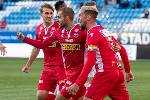 ØNSKET: Marc Vales og Rufo er to av sju spillere som har fått tilbud om ny kontrakt av SF. Ingen av de sju har foreløpig signert nye avtaler. Sivert Stenseth Gussiås (t.v.) har kontrakt i ytterligere to år.
