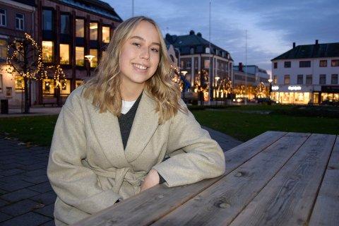 MÅLBEVISST: Leah Rue Halling (15) har bestemt seg for at hun vil inn i Forsvaret.
