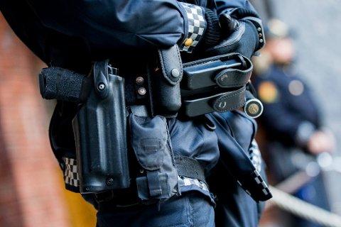 BEVÆPNING: I de kommende ukene vil du se bevæpnet politi i Sandefjord og resten av landet.