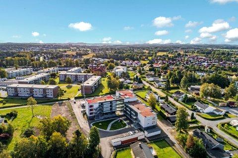 SANDEFJORD KOMMUNALE BOLIGSTIFTELSE: Stiftelsen står bak dette nybygget med kort avstand til kommunens tilbud på Bugårdensenteret.