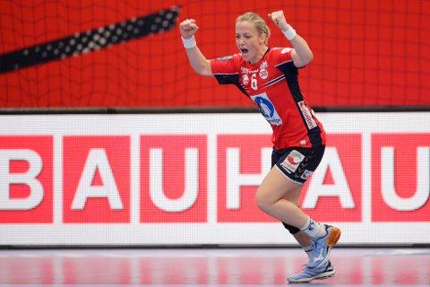 Heidi Løke under kampen i håndball EM 2020 mellom Ungarn og Norge i Sydbank arena.