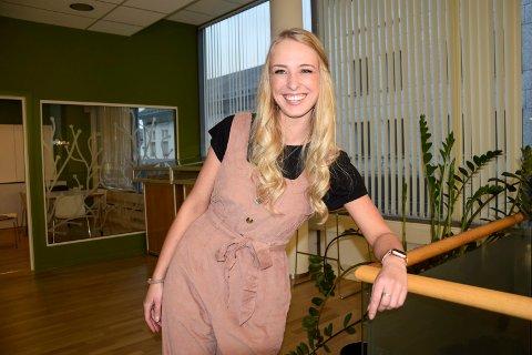 «JA-MENNESKE»: Silje Hansen Røed (28) sier ja til det meste hun blir spurt om. Det gjorde hun også da hun ble spurt om å bli leder for Kodal Ungdomslag. Nå har hun snart fullført sitt første år som leder, i et år hvor utfordringene har stått i kø.