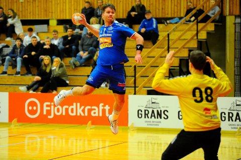 TOPPSCORER: Andre Tuzov var i storslag banket inn åtte mål da SH sjokkerte seiereleder ØIF Arendal og vant 33-30 i Sør Amfi.