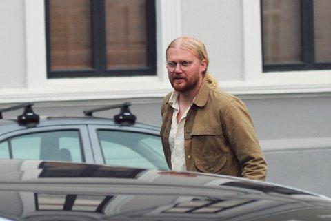 PLATEAKTUELL: Olav Midttun Lie er vokalist og låtskriver i Bøler. Nå er plata  bandet i flere har har lovet at snart var ferdig, endelig på markedet.