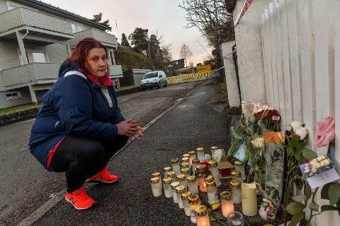 MINNES: Silje Renate Johansen (34) er tilbake på åstedet for å minnes sin venninne Thea Halvorsen Braavold (31) som ble drept i helgen.