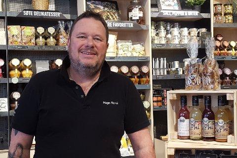 DELIKATESSER: Hugo René Nordahl byr på gode olivenoljer, balsamico og andre delikatesser fra middelhavsområdet. Nå som folk er mer hjemme, er det kanskje tiden for å unne seg noe ekstra, eller prøve noe nytt i matveien.