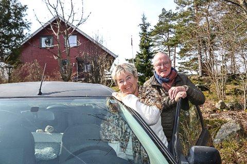 HJEMME: Sissel og Terje A. Nilsen er endelig tilbake på hytta i Sandefjord, etter en strabasiøs tid i Spania og i bil hjem.