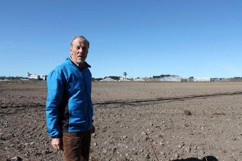 DYRKBART: Christopher Gallaher, sekretær i den lokale naturvernorganisasjonen og leder på fylkesnivå, mener kommunen må følge sitt standpunkt om jordvern