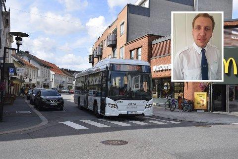 STILLE: På bussene i Sandefjord har det vært stille og få passasjerer under koronakrisa, det forteller bussjåfør og tillitsvalgt Lars Martin Simonsen.