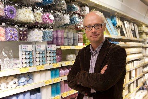 NY I JOBBEN: Pål Wibe legger frem sitt første regnskap som XXL-sjef. Her fra tiden som Nille-sjef.