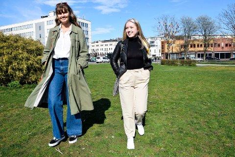 TILBAKE I SANDEFJORD: Ingrid Saga Andersen (20, t.v.) og Mina Nystad (19) er tilbake i hjembyen, hvor de i disse dager sluttfører utenlandsstudiene via nettet.