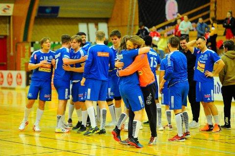 STORE ENDRINGER: Opprykket til Sandefjord Håndball har ført til en solid endring i klubben. Det blir mange lag i blått i tida framover.