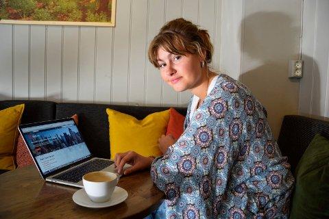 OSLO NESTE: Ingrid Saga Andersen (21) flytter til Oslo denne uka, og skal ta høstens onlineundervisning derfra. – Heldigvis kan jeg legge opp timeplanen min selv, så jeg håper jeg kan unngå undervisning om natta, sier hun.