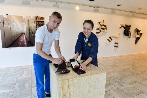 """KUNSTNERNE: Franz P. Schmidt og Marianne Heier skal åpne sin utstilling """"AKTIV MATERIE"""" i Sandefjord Kunstforening, lørdag 5. september, klokken 14.00."""