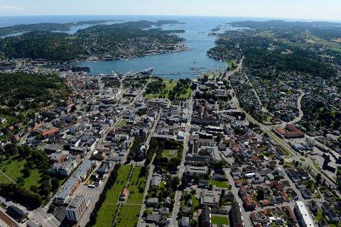 UTEN VANN: Husstander flere steder i Sandefjord mistet vannet mandag ettermiddag.