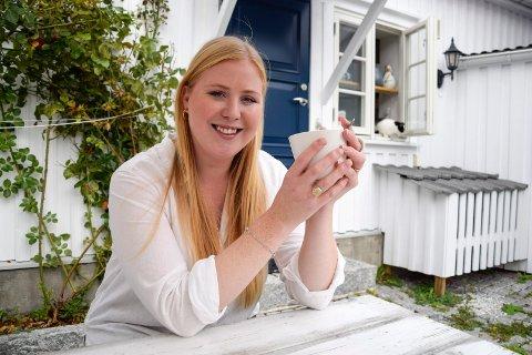 VERDENSVANT: Sandefjord-kvinnen Hanna Pauline Klavenes Johansen (24) er svært verdensvant, ettersom hun har bodd i en lang rekke land i løpet av livet. Nå har hun derimot «landet» i hjembyen.