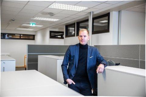 SIKKERHET: IT-sjef Sondre Andersen i Sandefjord kommune sier de gjør alt i sin makt for å forhindre dataangrep. Etter hendelsen i Østre Toten har de gått gjennom alt av rutiner og beredskapsplaner.