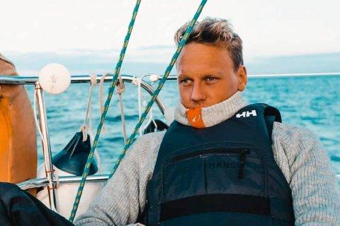 OMSKOLERTE SEG: Da livssituasjonen til Petter Svendsen (29) endret seg, valgte han å omskolere seg. En jobb i Nordsjøen passet ikke i livet hans, dermed havnet han i en annen bransje.