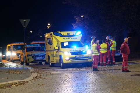Et titalls ambulanser fra flere fylker ble sendt til Kongsberg i forbindelse med den alvorlige hendelsen.