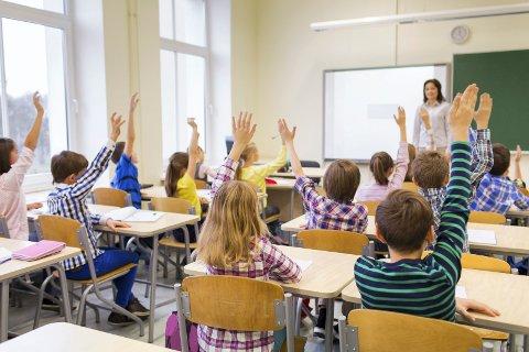 TETT PÅ: Læreren på ungdomsskolen i Sandefjord føler at det er utrygt på arbeidsplassen sin. Illustrasjonsfoto: Mostphotos