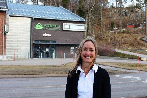 NY STYRELEDER: Ingrid Knotten Haugberg (43) ble historisk da hun ble valgt inn som ny styreleder i Andebu Sparebank, som den første kvinnen i historien.