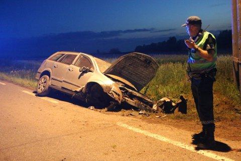 VRAK: Bilen fikk store skader i ulykken i Tassebekkveien, og måtte senere kondemneres.