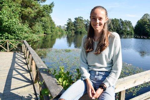MILJØPRISEN: Eline Byre har jobbet hardt for å forbedre skolens miljøpolitikk. Nå har hun også vunnet pris for sitt arbeid.
