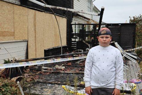 HELTEDÅD: Timian (10) forsøkte selv å slukke brannen på Åsane, fredag. FOTO: Erik K. Jørgensen