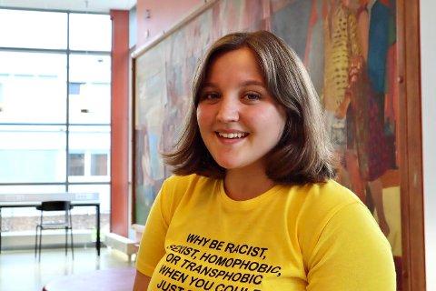 FRIVILLIG ARBEID: Sarah Gysinjac Enge er ferdig med skolegangen sin på IB. Nå ønsker hun å jobbe videre med frivillig arbeid. – Hvem vet, kanskje jeg tar en utdanning innen frivillighetsarbeid, forteller hun.