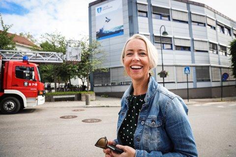 UTVIDER STABEN: Hildegunn Riksfjord, leder for kommunikasjon i Larvik kommune, jakter en ny kommunikasjonsrådgiver.
