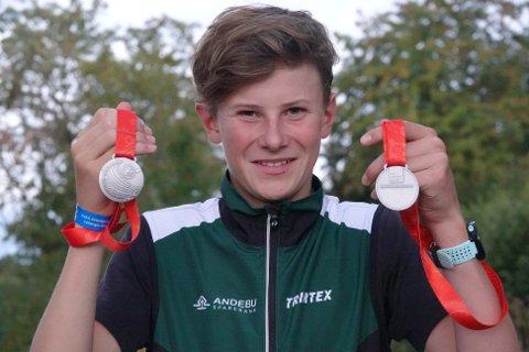 SØLV: Magnus Sigurdsson fra Stokke IL slo til med to sølvmedaljer under Hovedløp i orientering i Levanger. Det er det ingen i Stokke IL som har klart tidligere.