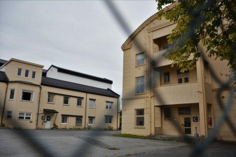 Jotun tilbyr kommunen byggene i Nybyen.