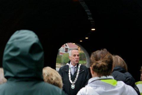 LANDETS BESTE: – Sandnes kommune har landets sikreste tunneler, sier ordfører Stanley Wirak, med glimt i øyet. Han besøkte onsdag Skaarlia for å nyåpne den eneste tunnelen i Sandnes.