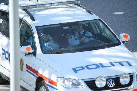 STAKK AV: Politiet var noe lettere til beins enn 53-åringen som forsøkte å stikke fra en promillekontroll til fots.