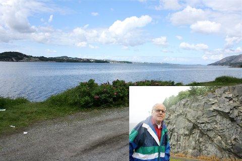 VISTE GODT: Det var nesten umulig ikke å få med seg seilingsmerket med budskapet «Sakte fart» for de som kom inn Gandsfjorden med båt. I den nå bortsprengte bergsiden i bakgrunnen på det lille bildet stod seilingsmerket som Elling Johan Gjesdals vedlikeholdt i sin ungdom.