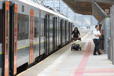 STENGER: Jærbanen mellom Stavanger og Helleland stenger i pinsehelga.