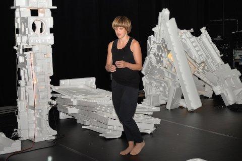 DANSEHAUST: Det regionale kompaniet Findlay/Sandsmark har premiere på si danseforestilling «o´death, part 1» i september. For tida har dei residens i sal 1 på KinoKino.