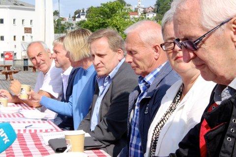 VALGVAKE: Flere partier arrangerer valgvake i kveld. Fra venstre: Ordfører Stanley Wirak (Ap), varaordfører Pål Morten Borgli (Frp), Annelin Tangen (Ap), Tore Andreas Haaland (Frp), Martin S. Håland (Sp), Heidi Bjerga (SV og Roald Lende (Pp).