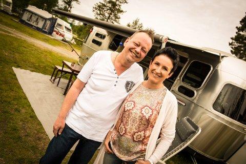 CAMPINGPAR: Ulf Arne og Bernadeta Myhre fra Hommersåk dukker opp på TV Norges nye serie «Montebello Camping».