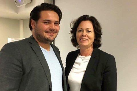 BESØKTE SANDNES: Barne- og likestillingsminister Solveig Horne (Frp) besøkte Sandnes mandag. Her med Frps Kristoffer Birkedal.