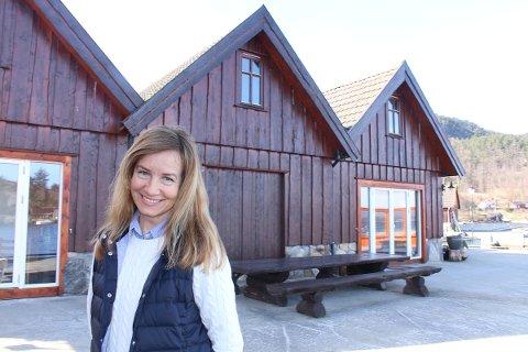 PERLE: Anne Riska trives godt i sjøluft og tilbringer mye tid i «Naustene på Bersagel».