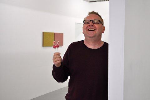 HJELP: Jan Kjetil Bjørheim, utstillingsleiar ved galleriet i KinoKino, treng sandnesgaukar sine kjærleikshistorier knytt til kinoen.