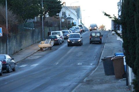 SKAL OPPGRADERES: Roald Amundsens gate skal få bedre fortau og bedre bussholdeplasser.